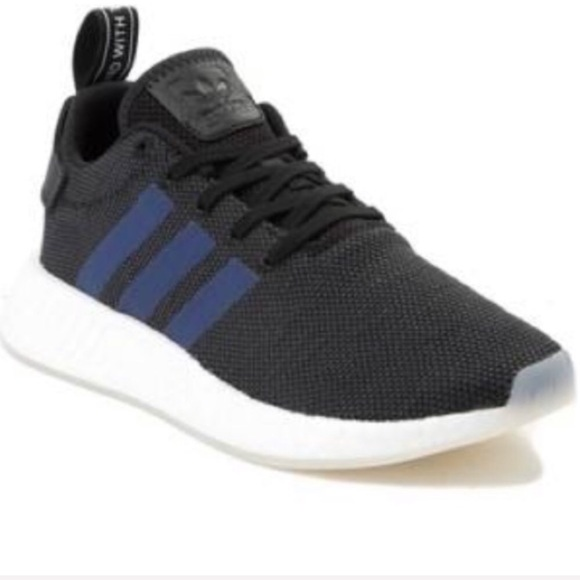 new style 7e11b d3ec0 Women's Adidas NMD R2 NWT
